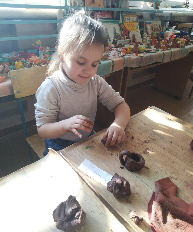 Экскурсия старшей логопедической группы №7 МДОУ ДС №21 «РАДУГА» (1 отделение)в дом детского творчества